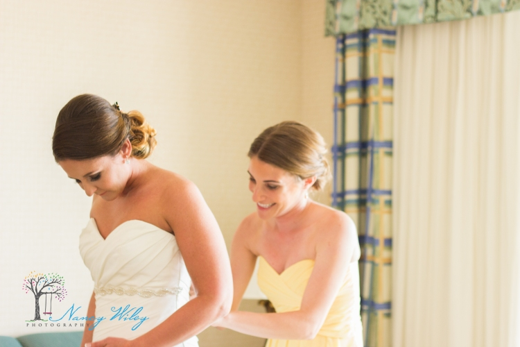 Yellow_and_Peach_Virginia_Beach_Wedding_Photographer_4
