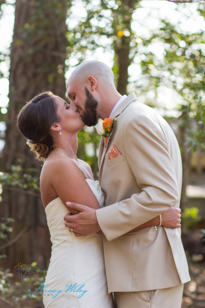 Yellow_and_Peach_Virginia_Beach_Wedding_Photographer_29