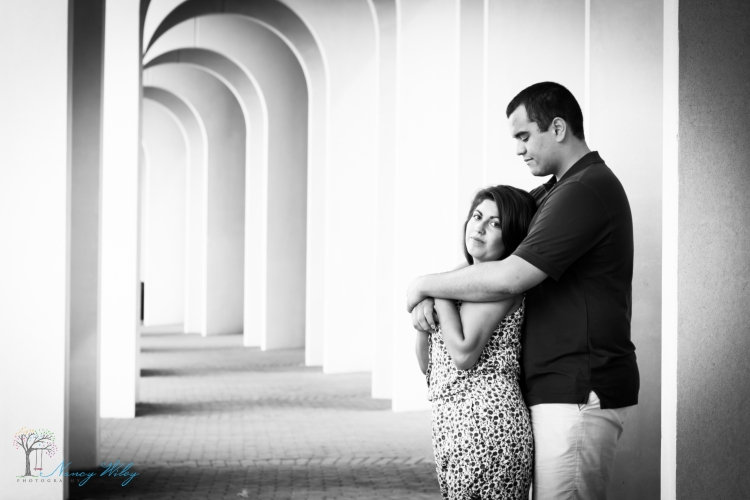 Chelsea_John_VA_Beach_Engagement_Photographer-31