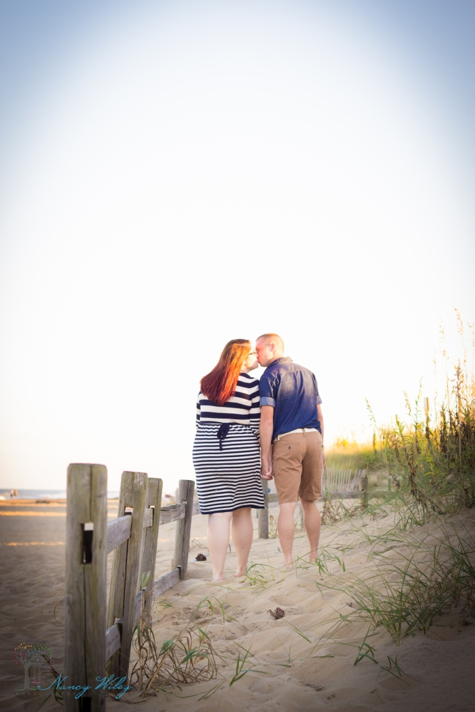 Gordon_Anniversary_VA_Beach_Couples_Photographer-21